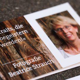 Terminkarte für Beartice Strauch mit Text und Porträt